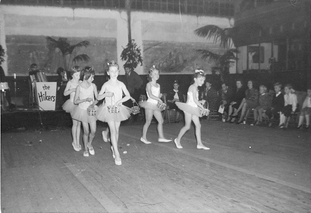 Ballet Studio Helma Bouwman 1965 Uitvoering tbv Kindercircus Hoofddorp 01