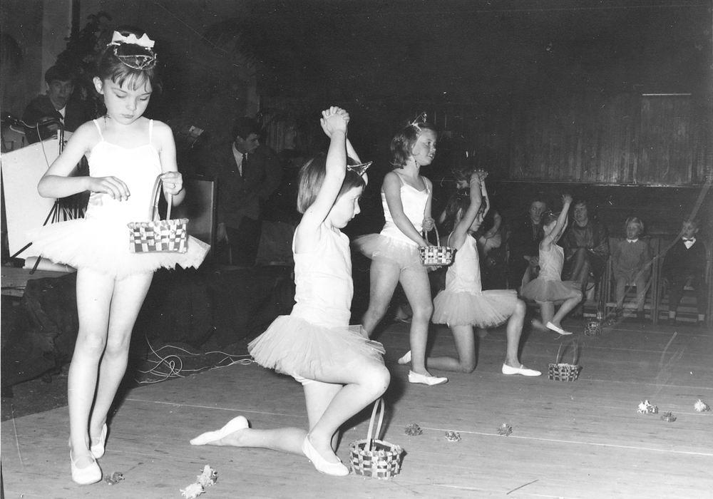 Ballet Studio Helma Bouwman 1965 Uitvoering tbv Kindercircus Hoofddorp 02
