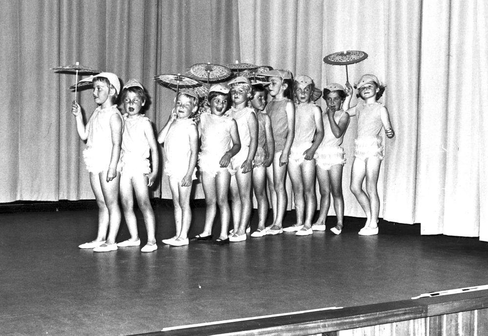 Ballet Studio Helma Bouwman 1966 Uitvoering in LTS Hoofddorp 05