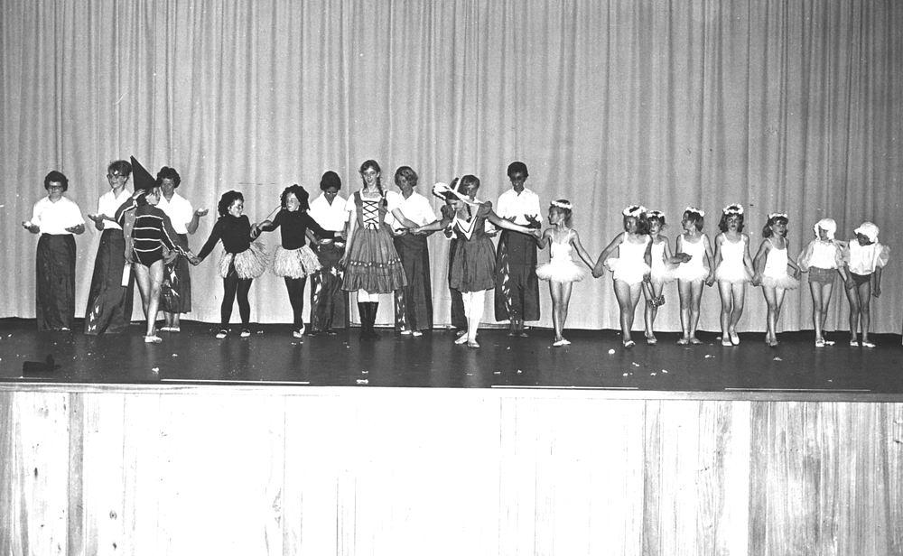 Ballet Studio Helma Bouwman 1966 Uitvoering in LTS Hoofddorp 08