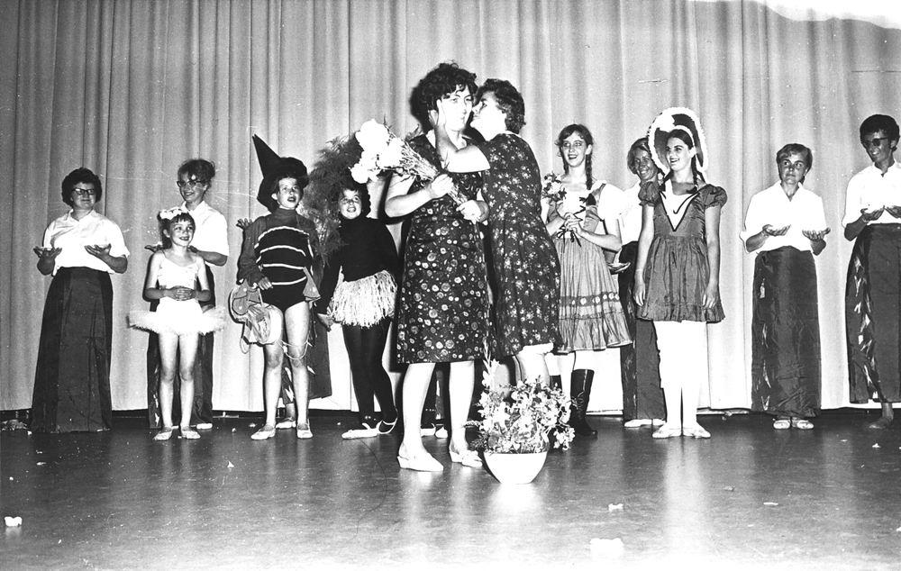 Ballet Studio Helma Bouwman 1966 Uitvoering in LTS Hoofddorp 10