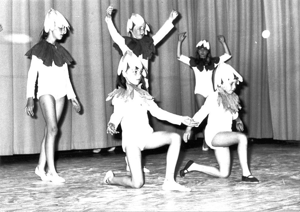 Ballet Studio Helma Bouwman 1968 Uitvoering in LTS Hoofddorp 05
