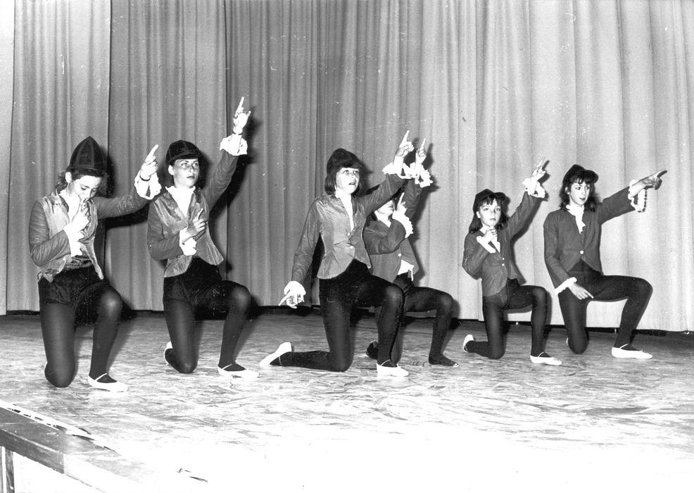 Ballet Studio Helma Bouwman 1968 Uitvoering in LTS Hoofddorp 06