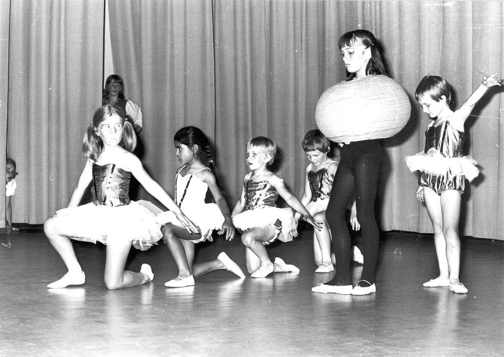 Ballet Studio Helma Bouwman 1968 Uitvoering in LTS Hoofddorp 07