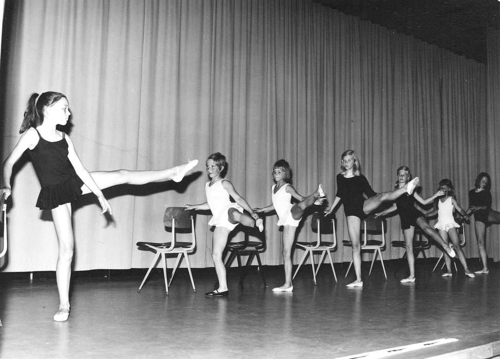 Ballet Studio Helma Bouwman 19__ Musical in LTS Hoofddorp 01