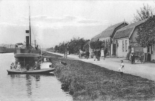 Bennebroekerdijk 0010 Cafe Bakker met Bus Stoomboot
