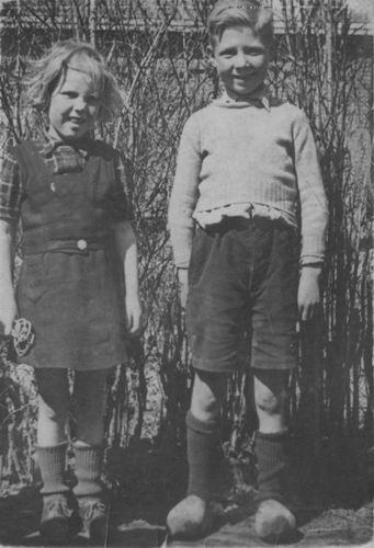 Berbiers Nico 1939 1948 met Zus Lenie 02