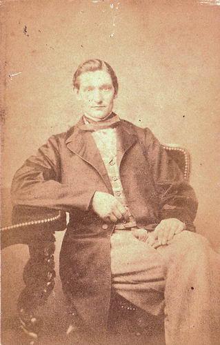 Bertels Johann Hermann 1848-74 bij Fotograaf in Leiden