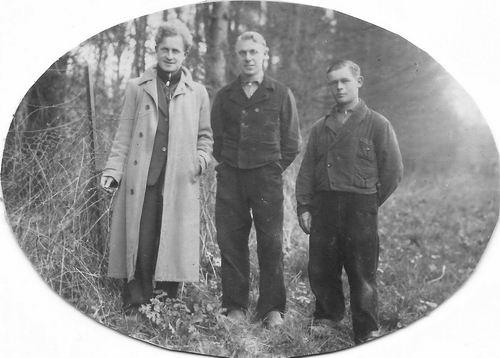 <b>ZOEKPLAATJE:</b>Bliek Toon 1914 19__ met Onbekende Vrienden