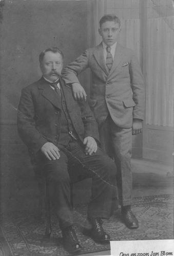 Blom Gerrit Cornelis 1925 bij Fotograaf met zoon Jan