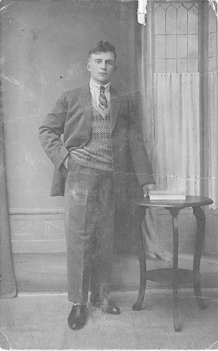 Blom Jan 1909 19__ bij Fotograaf