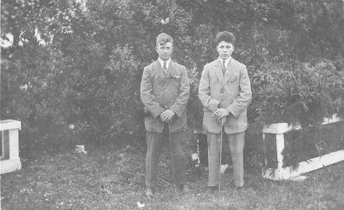 Blom Jan 1909 19__ met Jacob C Biesheuvel