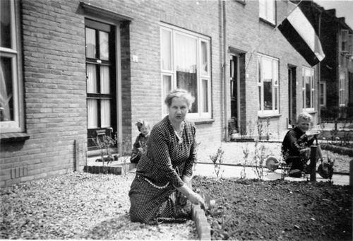 <b>ZOEKPLAATJE:</b>Boer Onbekend de 19__ GrandMother deBoer