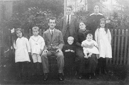 Bogaart Ludovicus 19__ Familie uit Zwanenburg
