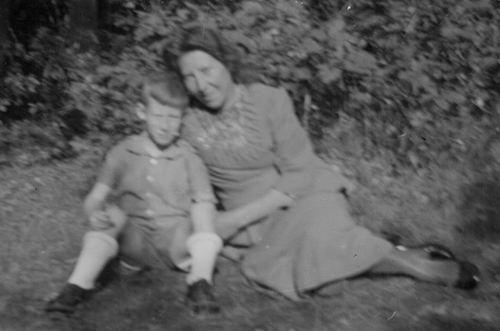 Boot Jannetje Johanna 1906 19__ met zoontje Geert Eling
