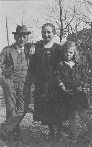 Damme Cornelis 1883 19__ Poseert met vrouw Dina Linthout en