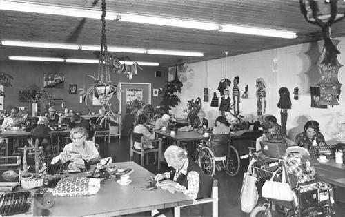 Bornholm 0050 1976 Verpleeghuis Bezigheidstherapie