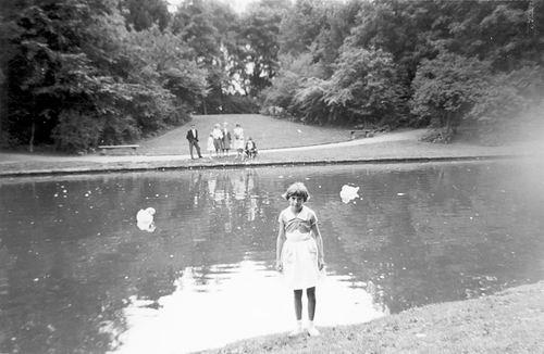 Boslaan 0000 Wandelpark 1960 met Ida Veltman 01