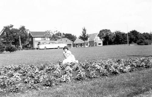 Boslaan 0000 Wandelpark 1960 met Ida Veltman 02