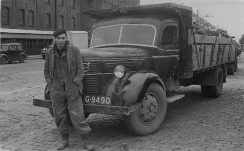 Bosman Gerrit 19__ Chauffeur voor Jan Koole bij Suikerfabriek Halfweg 02