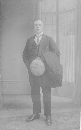 <b>ZOEKPLAATJE:</b>Breure Onbekend 1923 Man mischien Opa Jan Breure 814