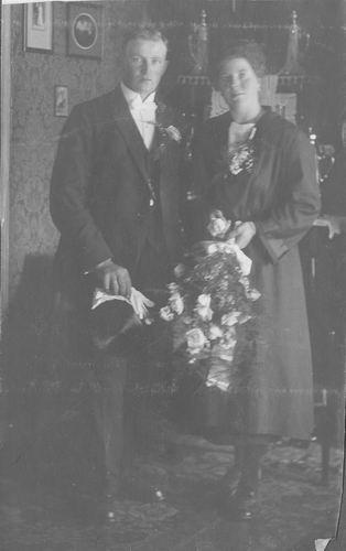 Breure Betje JanDr 1921 trouwt Jacob Albersebaes
