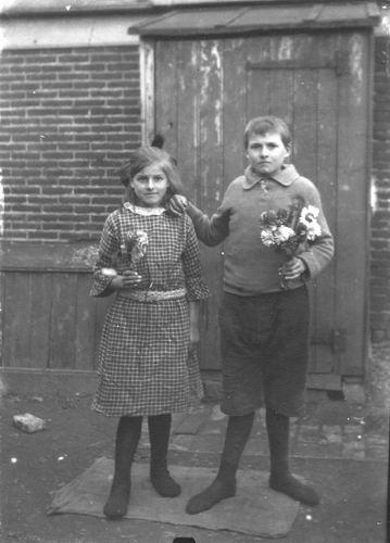 Buis Hendrika 1914 192_ met Onbekende Jongen