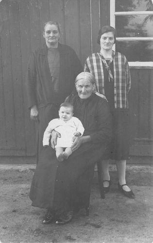 Buis Hendrika 1914 19__ 4 Generaties