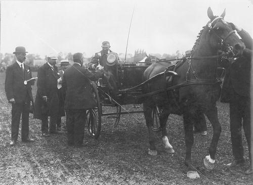 Bulk Cornelis 1885 1917 wint Beker met Paard Labda 11