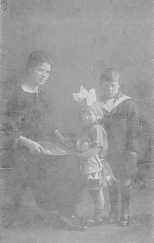 Bulk Cornelis 1885 1924 Kinderen met Moeder Anna 01