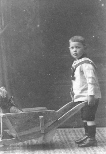 Bulk Jan Dirk 1918 1920 Peuter bij Fotograaf 02