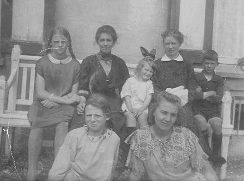 Bulk-Westerdijk Anna 1890 19__ met Kinderen en Familie