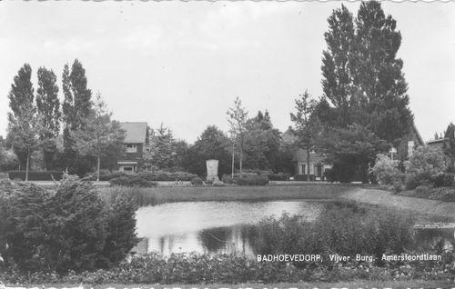 Burg Amersfoordtlaan 1953 Vijver en Monument