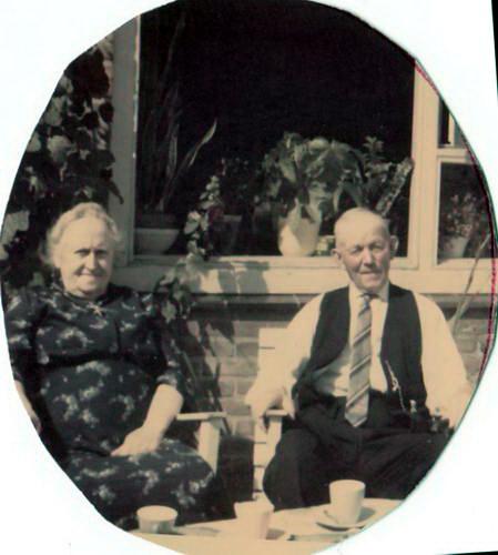 Calvelage Bernard 19__ met vrouw Anna