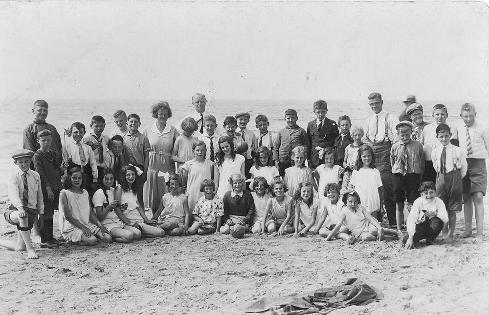 <b>ZOEKPLAATJE:</b>Christelijke School Abbenes 193_ Schoolreisje Strand Katwijk
