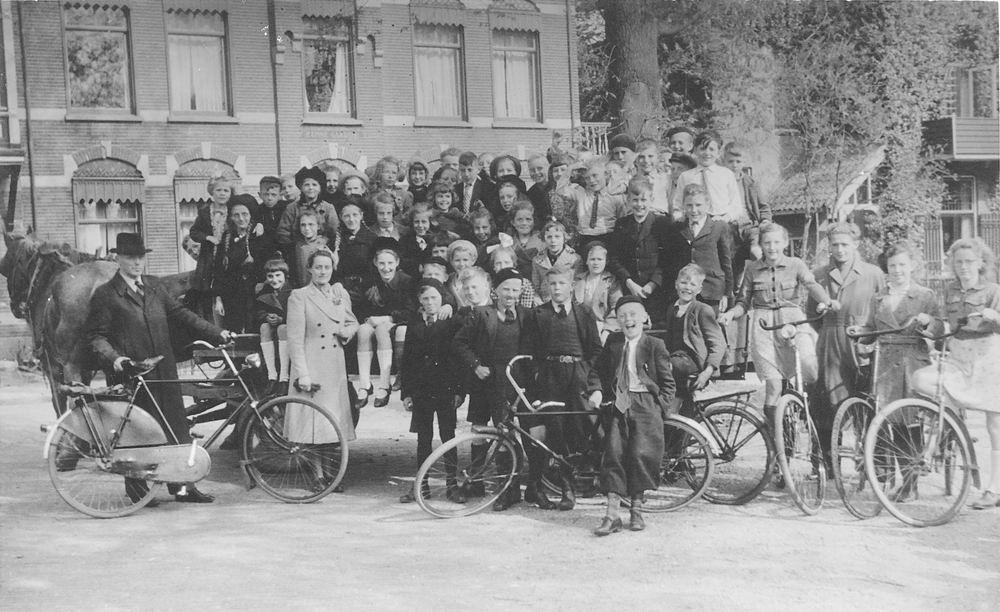 <b>ZOEKPLAATJE:</b>Christelijke School Abbenes 193_ Schoolreisje naar Onbekend