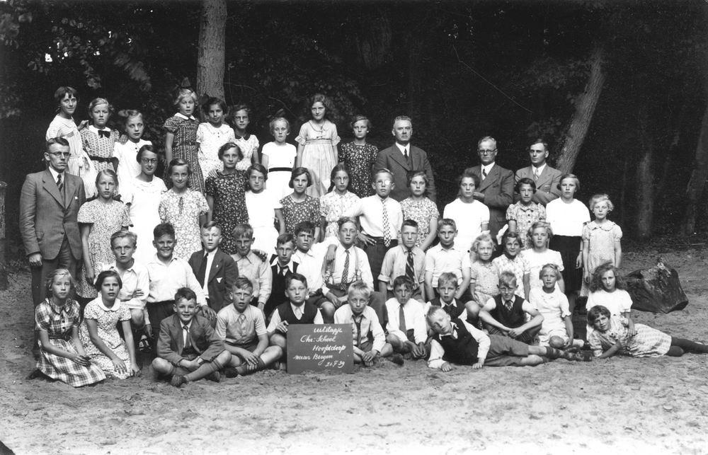 <b>ZOEKPLAATJE:</b>Christelijke School Hoofddorp 1939 Schoolreisje Bergen