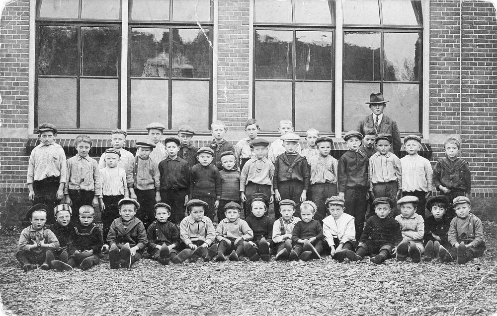 Christelijke School Leimuiden 191_ Klassefoto met Jongens Kersloot