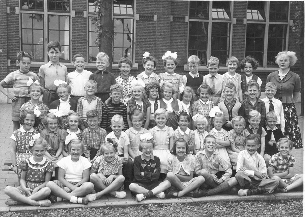 Christelijke School Rijk Aalsmeerderweg 1954 Klassen 3 en 4