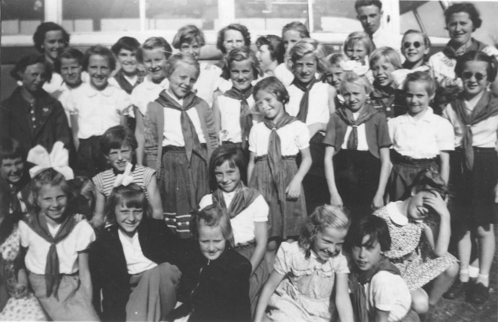 Kabouterclub Rijk 1951-52 met Jufs v Keulen