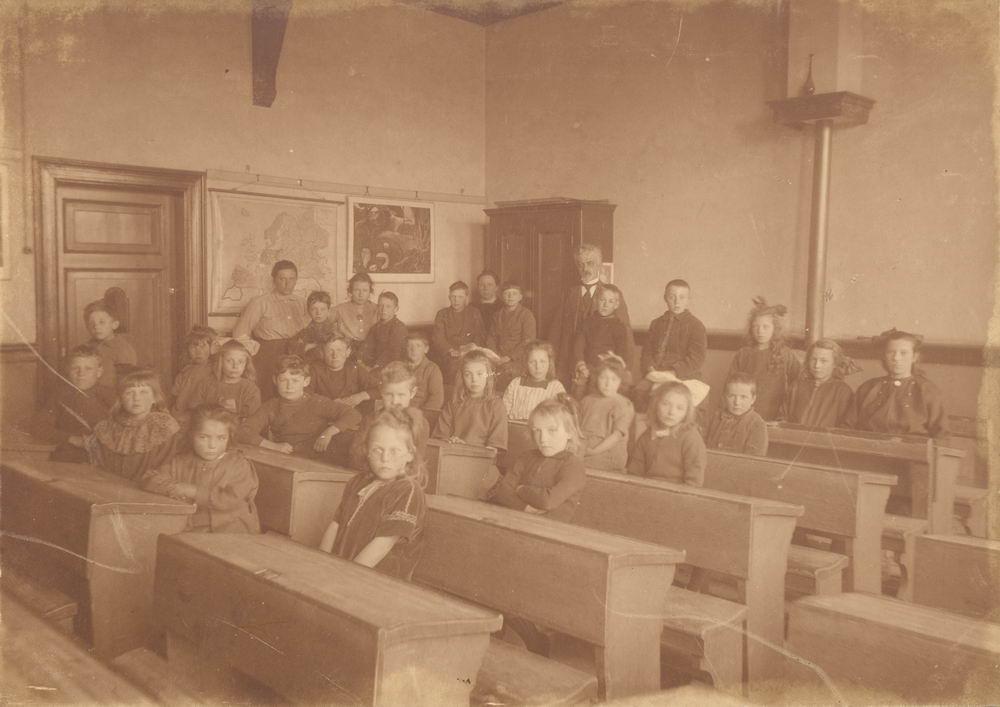 Openbare School 02 19__ met Meester G M Klinkenberg 01