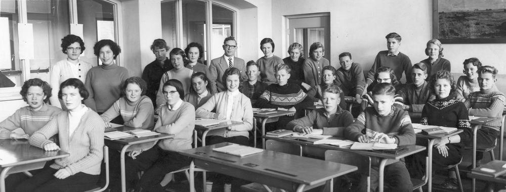 Christelijke ULO Hoofddorp 1957-58 Klas 3a met Mr Sieling
