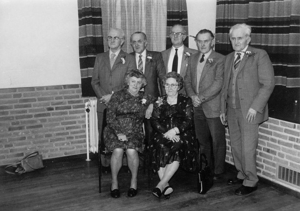 Elshout Arie 1913 19__ met Broers en Zusters Elshout