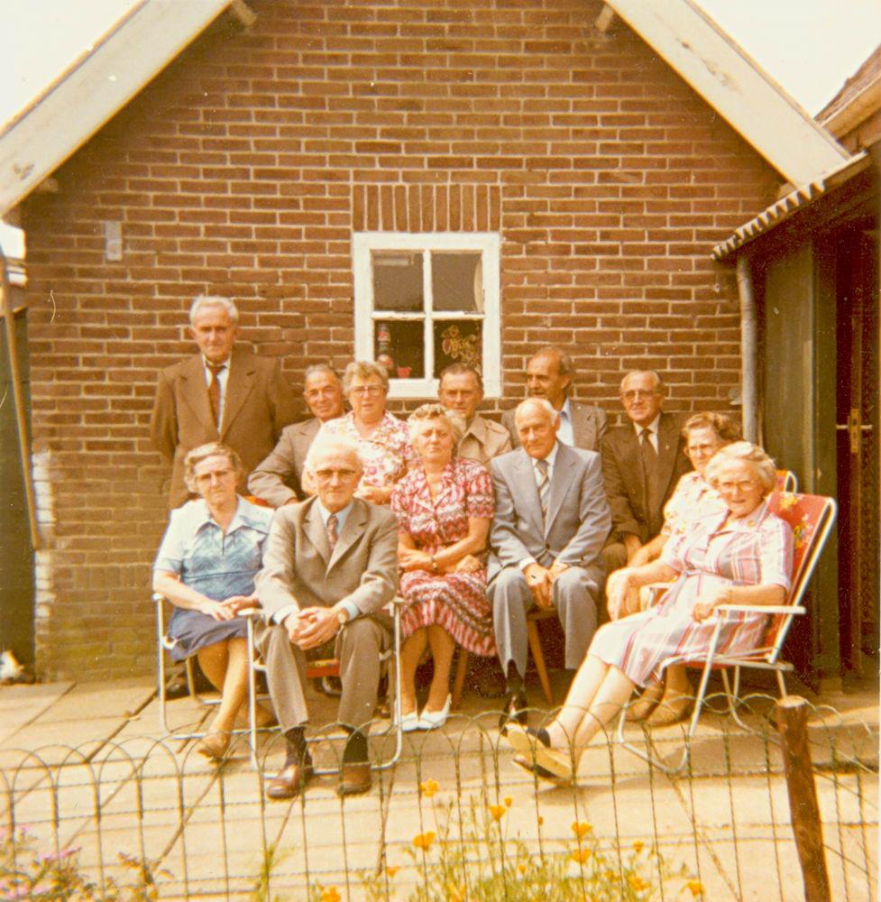 <b>ZOEKPLAATJE:</b>Elshout Arie 1913 19__ met Broers en Zusters