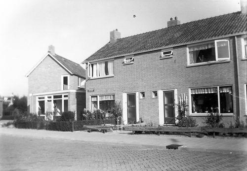 Engelmanstraat 1964 met Nieuwbouw Huize Ge v Kalmthout