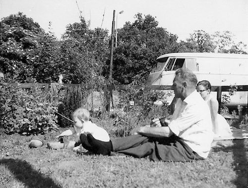 Es Teunis v 1906 1956 met kleindochter Carla