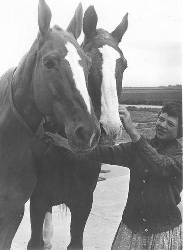 Geertzema Anneke 19__ met Paarden