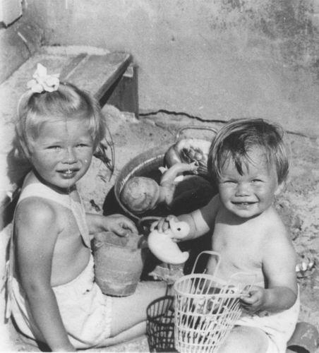 Geertzema Nicolaas Jan Galtjo 1907 1958 Dochters Quirien en Ellen