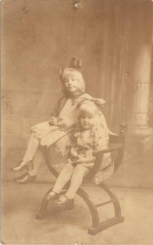 Geertzema Galtjo Derk 1886 1924 Dochters Marijtje en Bertha