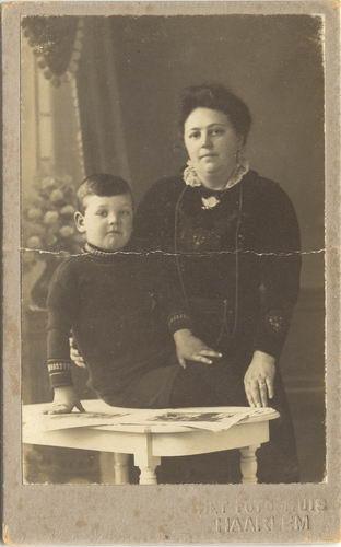 Geertzema Galtjo J J 1911 191- met Moeder Lena Captijn